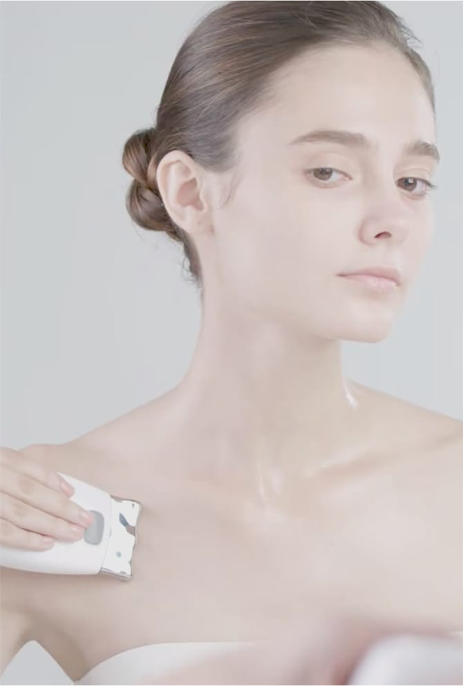 HOW TO USE - ageLOC GALVANIC SPA NECK AND DECOLLETE CARE